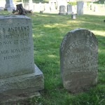 Túmulos de Mary F. Andrews e Angeline S. Andrews 